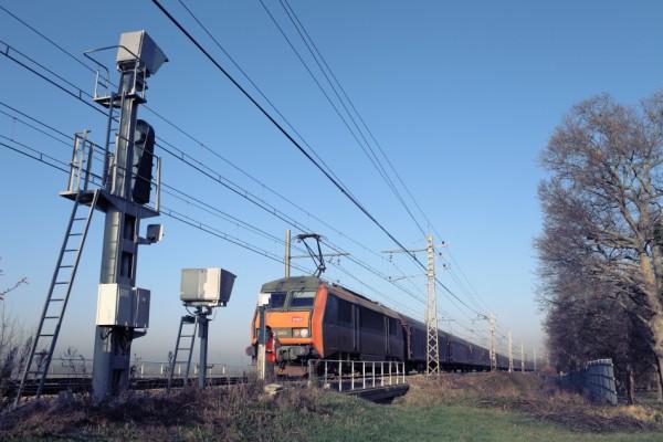 Arrêt en pleine voie d'un train de fret